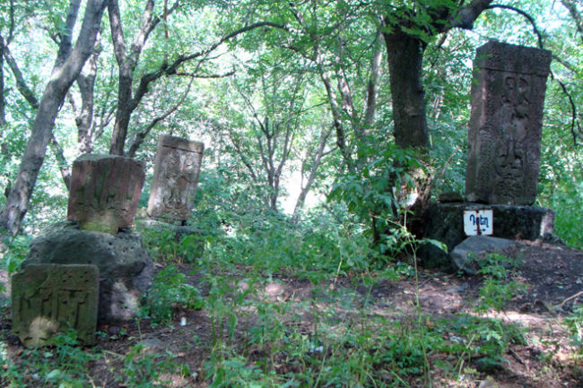 Ermeni Kilise mezar