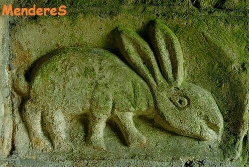 tavşan kabartması işareti