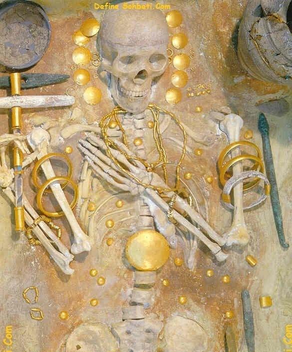 Açılmış Mezarlar – Görsellik