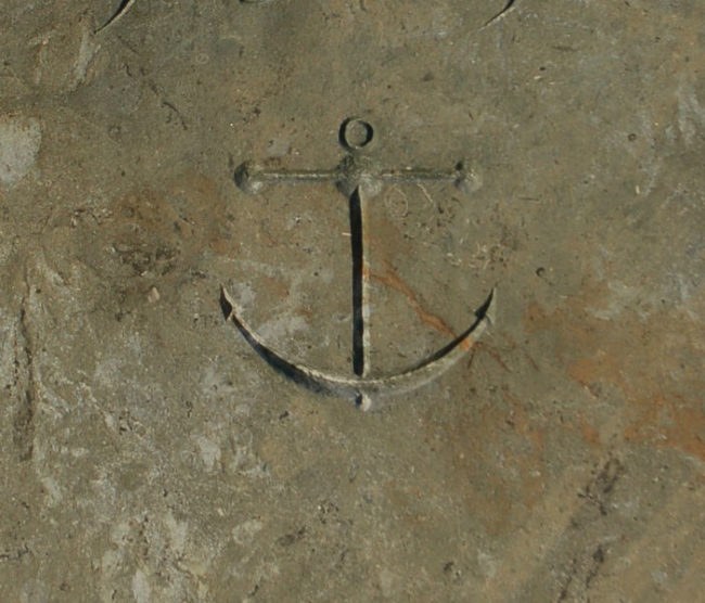 Lahit Mezar İşareti gemi çapası