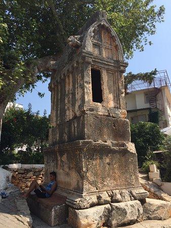 lahit mezarı
