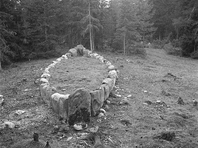 kayık mezarlar,