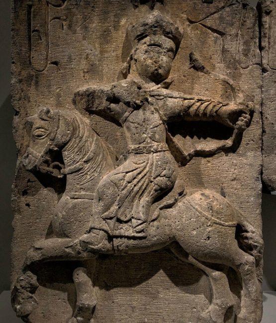 Ermeni Kaya ve resim sanatı, ata binmiş adam