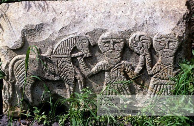 Ermeni Kaya ve Resim Sanatı, kaya kabartması, at ve binici