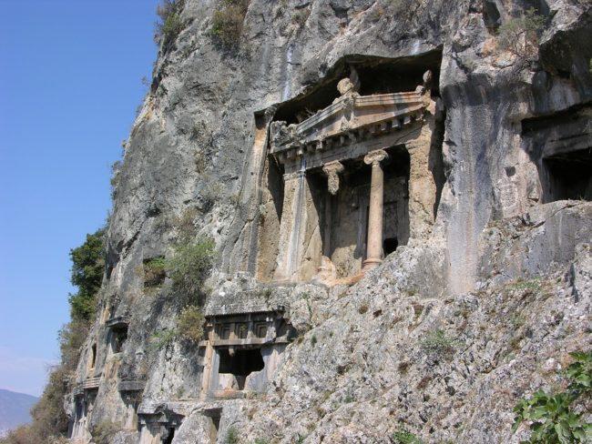 kaya mezarı