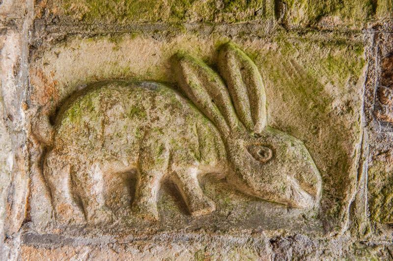 kabartma Tavşan İşareti