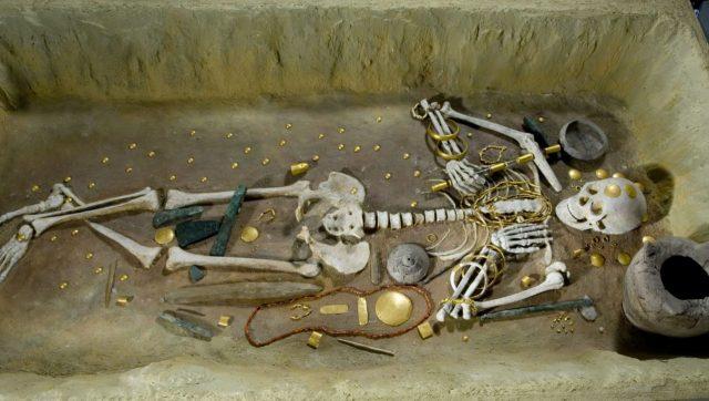 Mezar Çeşitleri ve Ölü Hediyeleri
