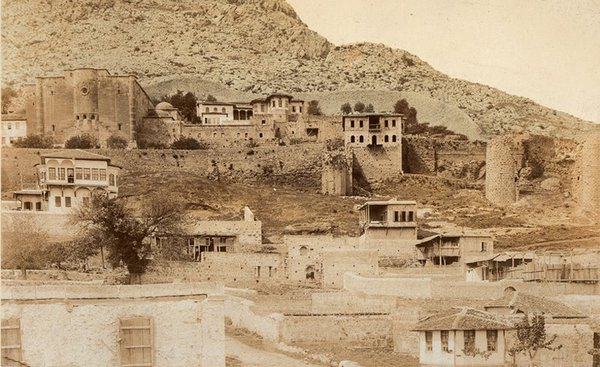 Ermeni, Rum ve Yunan Evlerinde Define