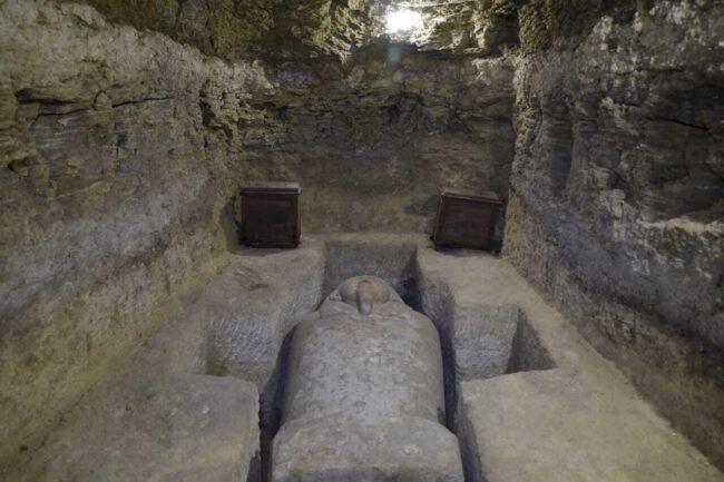 Açılmış Mezarlar – Görsellik 2