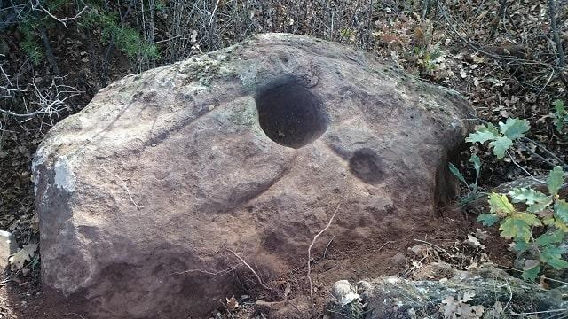Kaya Mezar İşareti Çözümü Bazı İp Uçları