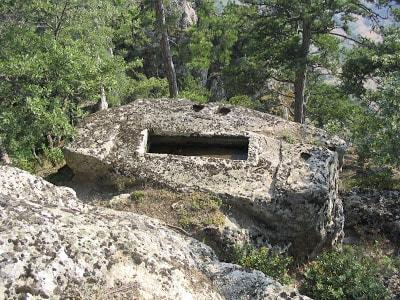 Yuvarlak Oymalar ve Mezarları